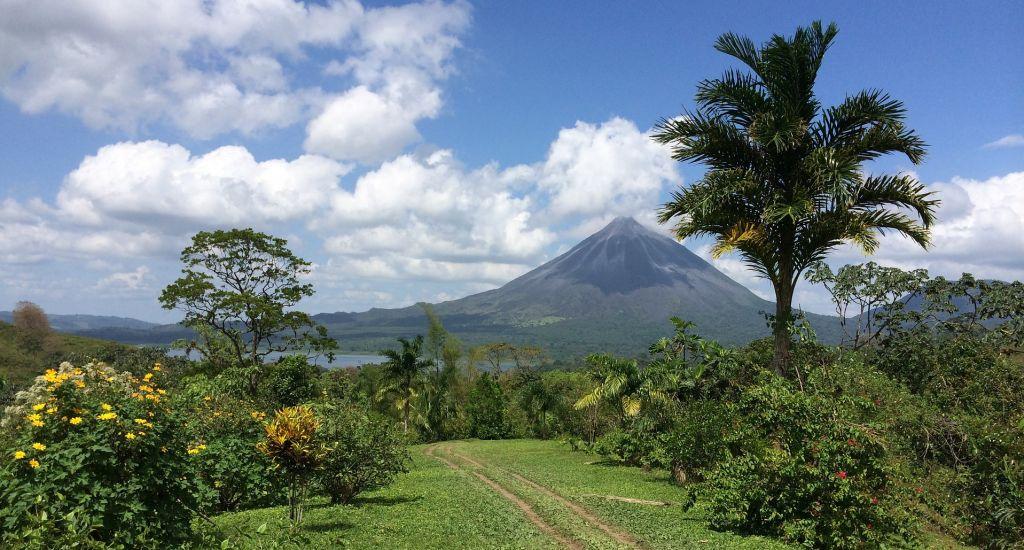 arenal-volcano-pix